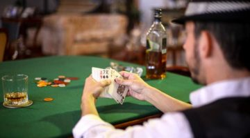 how to play Texas Hold'em